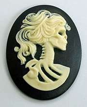 40/30mm Lolita Cameo - Ivory on Black